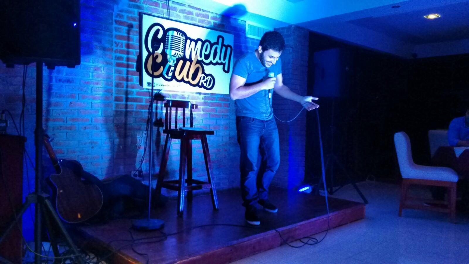 Elías Serulle: entre comedia y literatura